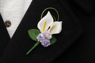 White Mini Calla Lily Blooms & Purple Mini Rose Buds